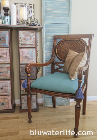 Island Colonial Style Chair