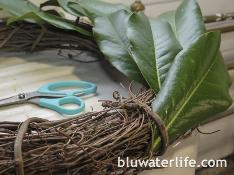 Easy Magnolia Wreath