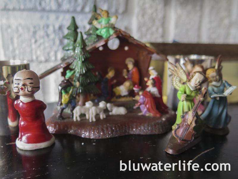 Coastal Christmas Mantle