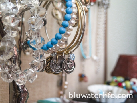 DIY jewelry organizer ~ #storestuff