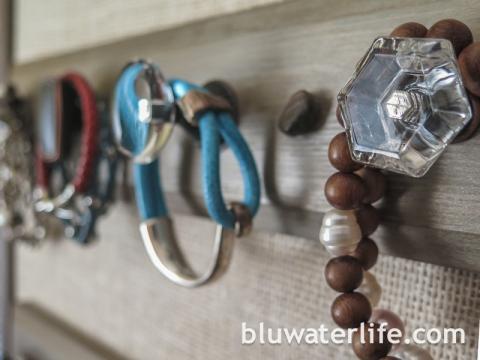 Jewelry organizer