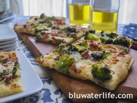 broccoli flatbread pizza
